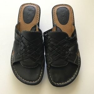 b.o.c Black Woven Leather Wedge Slides Size 6
